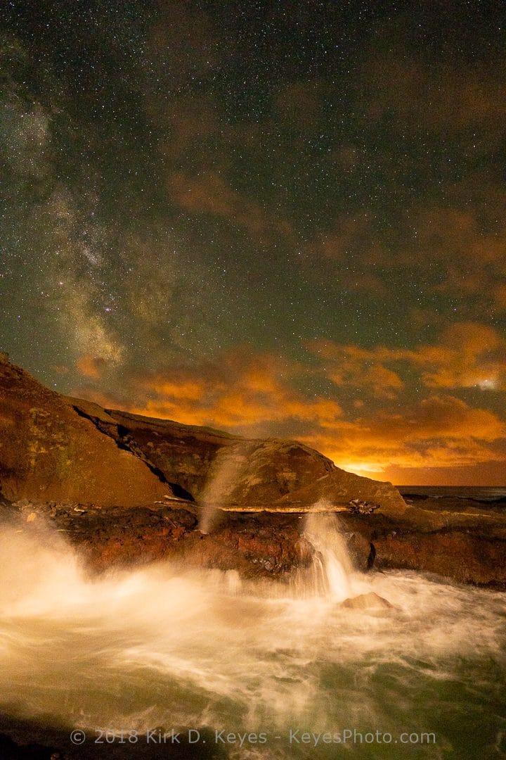Thor's Well and Milky Way. © 2019 Kirk D. Keyes, Keyesphoto.com