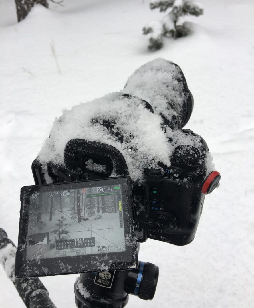 Pentax K-1 and D FA 24-70 f/2.8 covered in snow in winter 2018